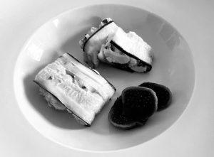 Currykip met courgette en vijgen